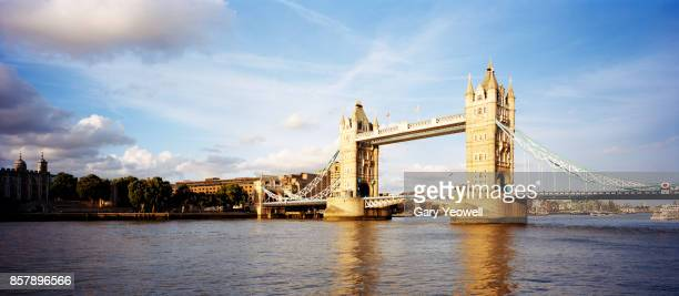 tower bridge panorama, london. - yeowell stock pictures, royalty-free photos & images