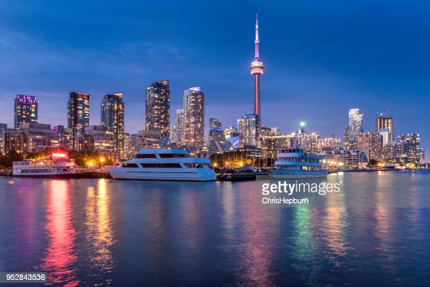 cn tower cityscape at dusk, toronto, ontario, canada - tower stock pictures, royalty-free photos & images