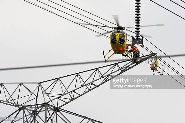 Tower-Konstruktion mit dem Hubschrauber