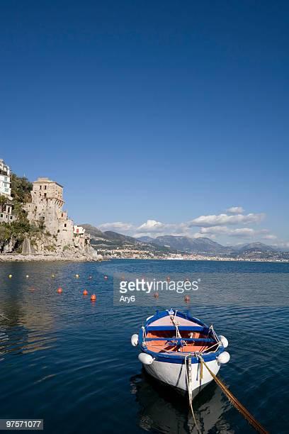 Torre di guardia di Cetara (piccola cittadina costiera amalfitana, Italia