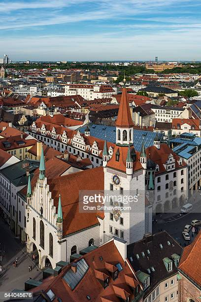 tower of altes rathaus, munich, bavaria, germany - new town hall munich stock pictures, royalty-free photos & images