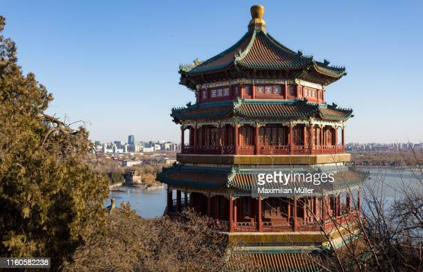 tower of buddhist incense (foxiangge), summer palace, beijing, china - unesco stockfoto's en -beelden