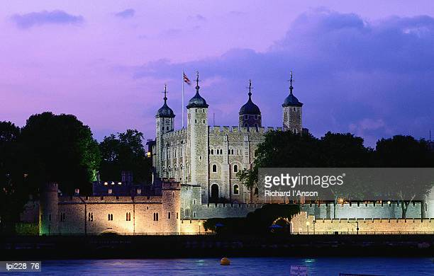 tower of london at dusk, london, united kingdom, england, europe - tower of london stock pictures, royalty-free photos & images