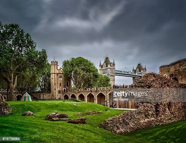 tower of london - rob castro stock pictures, royalty-free photos & images