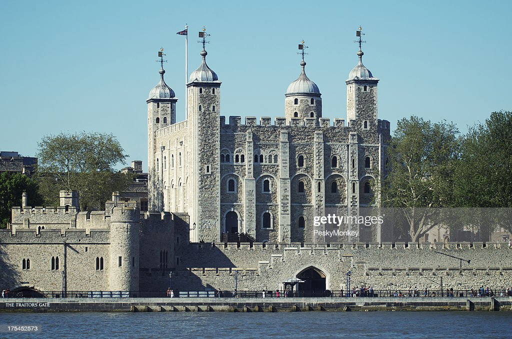 Tower of London River Thames Blue Sky : Stock Photo