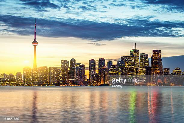 cn tower toronto skyline summer sunset - cn tower stock pictures, royalty-free photos & images
