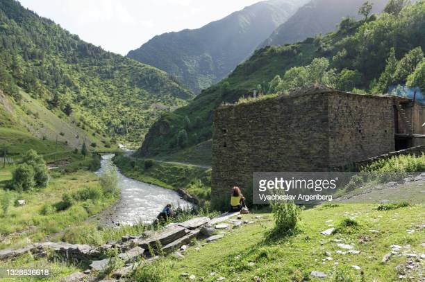 towers in shatili, caucasus mountains, georgia - argenberg stock pictures, royalty-free photos & images