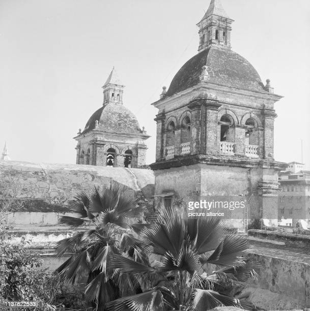 Towers of the Church of St Peter Claver Brother Schlesinger completed the Gotteshaus around 1760 Cartagena Columbia 1958   usage worldwide