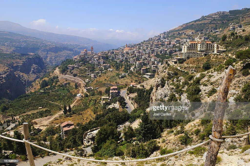 街や風景の Bcharre ,Lebanon : ストックフォト