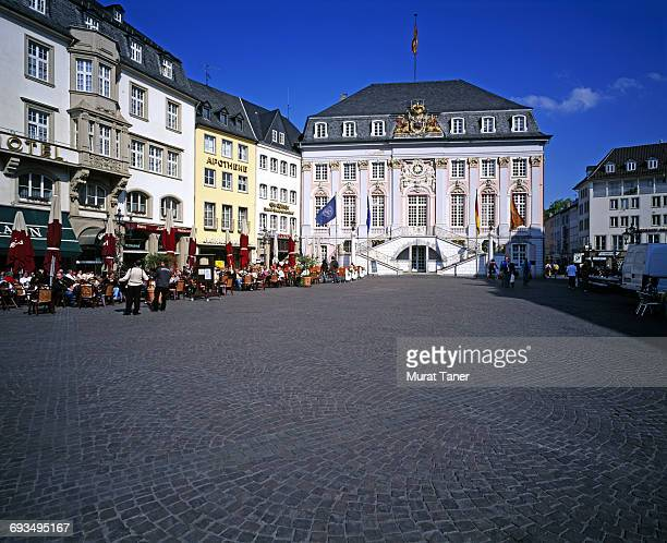 town hall (rathaus) and market square - town hall square stock pictures, royalty-free photos & images