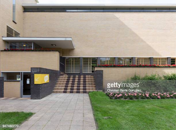 town hall hilversum - christian beirle gonzález stock pictures, royalty-free photos & images