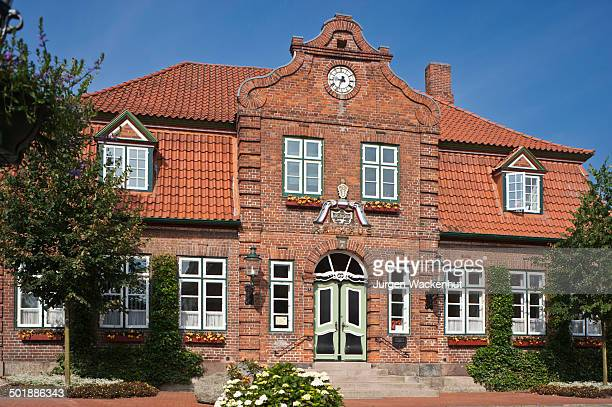town hall, luetjenburg, schleswig-holstein, germany, europe - schleswig holstein stock pictures, royalty-free photos & images