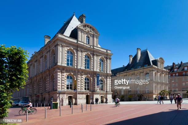 town hall of amiens - gwengoat stock pictures, royalty-free photos & images