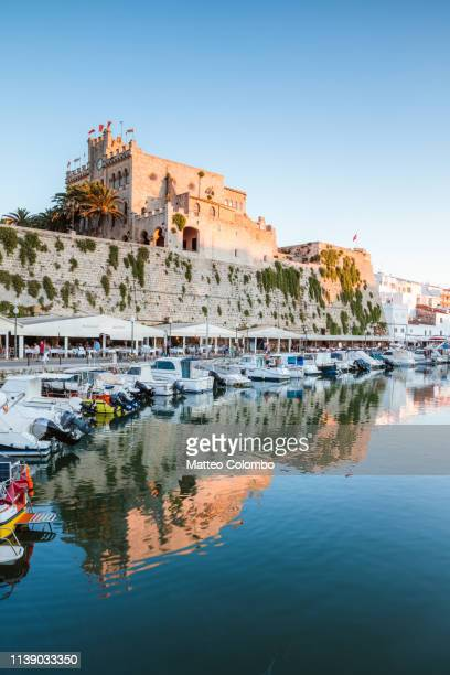 town hall reflected at sunset, ciutadella, menorca - ミノルカ ストックフォトと画像