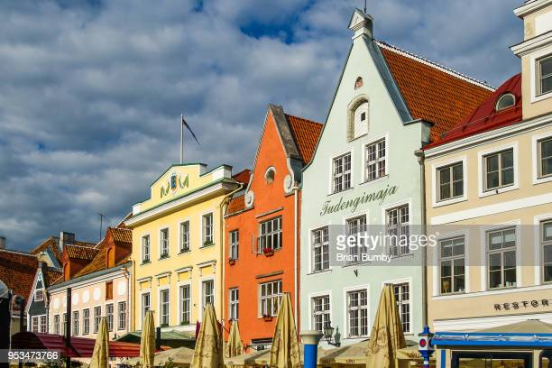 town hall square, tallinn, estonia - town hall square stock pictures, royalty-free photos & images