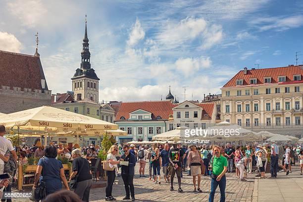 town hall square, tallinn - estonia stock pictures, royalty-free photos & images