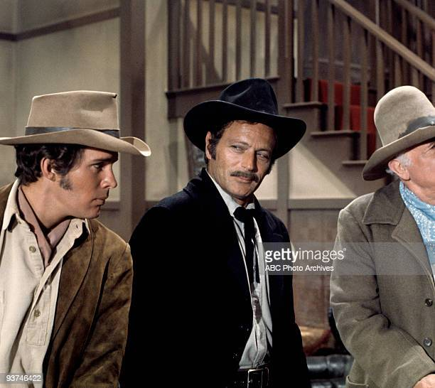 SONNETT A Town In Terror Season Two 12/10/68 Jeff and Will ride into the middle of a range war between cattlemen and sheepherders with both sides...