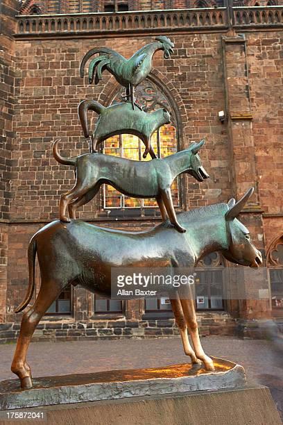 'Town musicians of Bremen' bronze statue