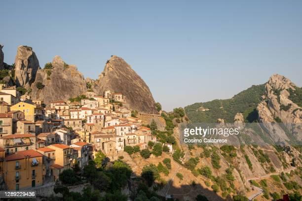 town of castelmezzano in basilicata, italy - バシリカータ ストックフォトと画像