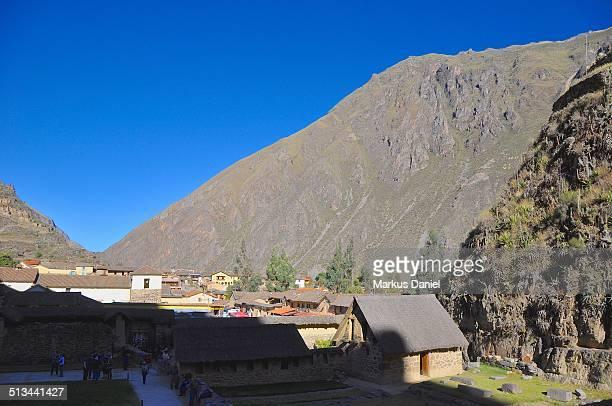"""town of ollantaytambo, sacred inca valley, peru - """"markus daniel"""" - fotografias e filmes do acervo"""