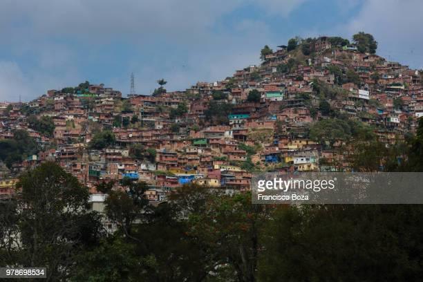 town sitting on hilltop, caracas, venezuela - カラカス ストックフォトと画像
