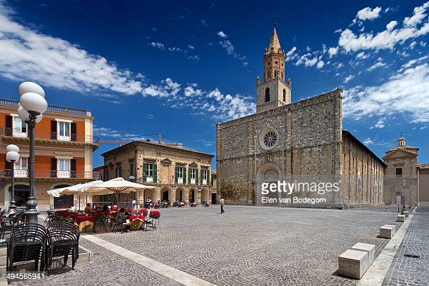 town square and cathedral in atri - テラモ ストックフォトと画像
