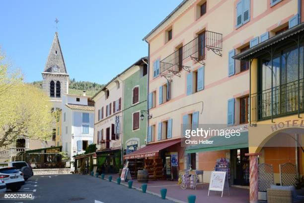 town square castellane alpes-de-haute-provence - village photos et images de collection