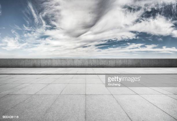 town square - empty city stock pictures, royalty-free photos & images