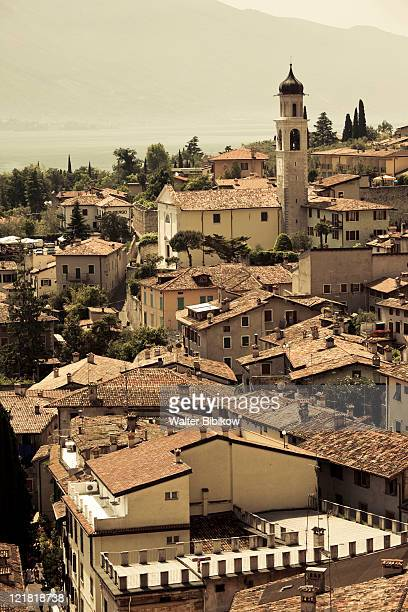 town view with san benedetto church, limone sul garda, lake garda, lake district, lombardy, italy - benedetto photos et images de collection