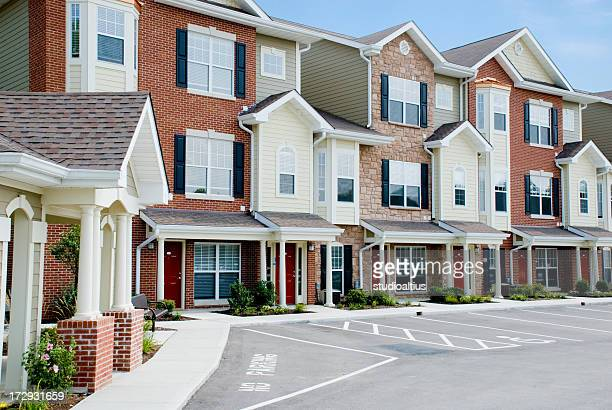 townhouse community - brick house stock pictures, royalty-free photos & images