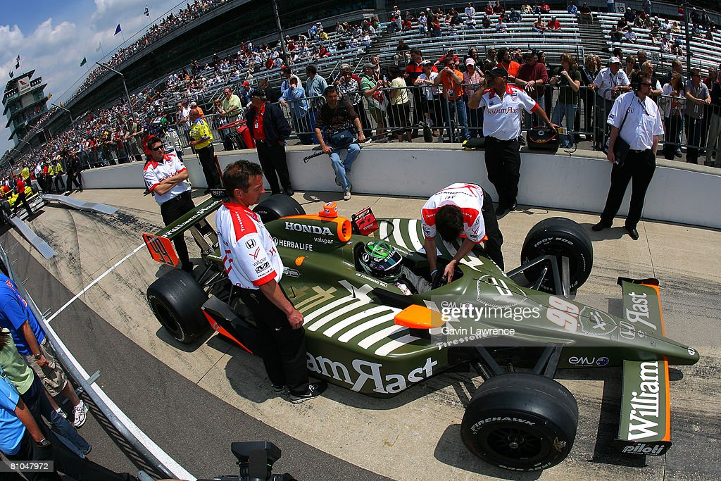 townsend bell driver of the dreyer reinbold william rast racing news photo getty images https www gettyimages com detail news photo townsend bell driver of the dreyer reinbold william rast news photo 81047972