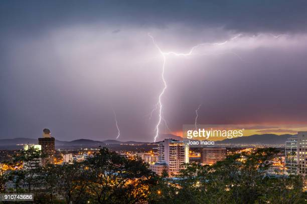 townsville summer lightning strike - townsville queensland stock pictures, royalty-free photos & images
