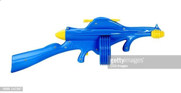 toy gun - rifle fotografías e imágenes de stock