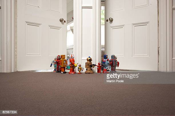 toy robots going from one room to another - escaping stock pictures, royalty-free photos & images