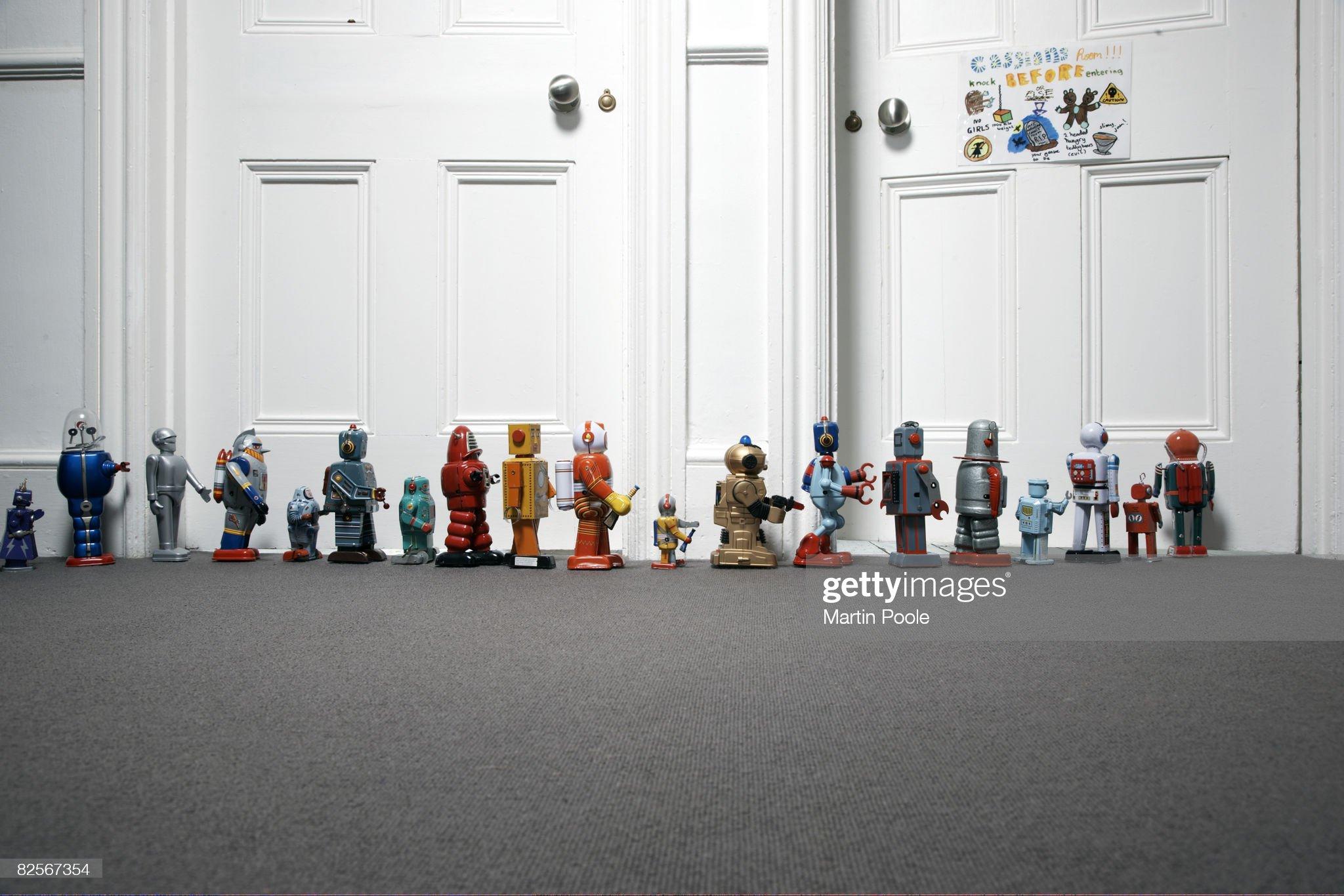 Spielzeug-Roboter im Freien aufgereihten childs Schlafzimmer  Stock-Foto