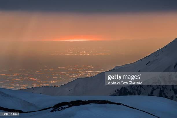 toyama plain and sunset seen from tateyama - 富山県 ストックフォトと画像