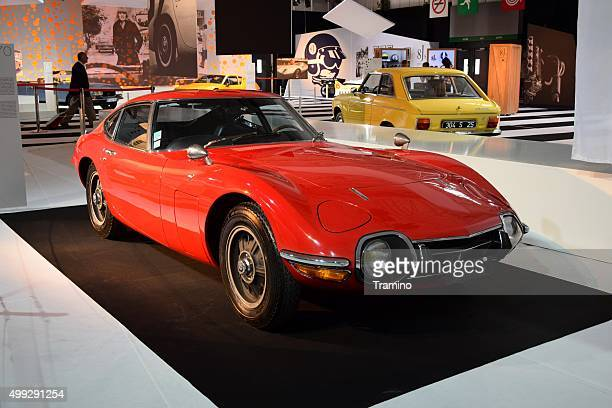 toyota 2000gt on the motor show - toyota motor co stock pictures, royalty-free photos & images