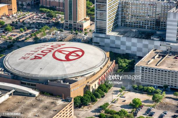 toyota center aerial - toyota center houston stock pictures, royalty-free photos & images