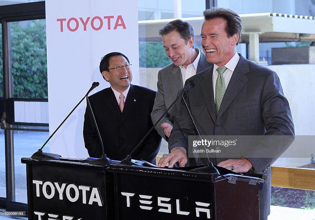Gov. Arnold Schwarzenegger And Tesla Motors Make Announcement : News Photo