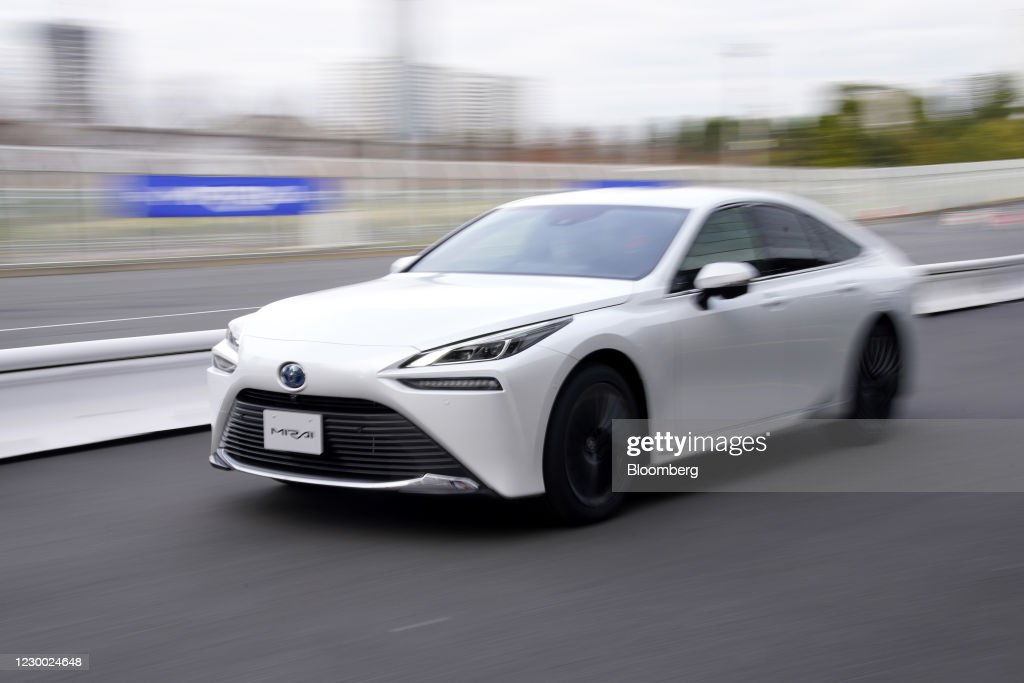Toyota's Fuel Cell Electric Vehicle Mirai Test Drive : News Photo