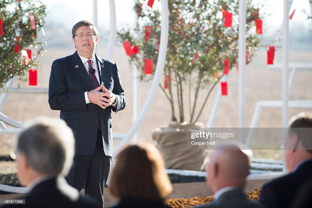 Toyota Motor North America Chief Executive Officer Jim Lentz addresses a group of 75 special guests and local media on January 20, 2015 in Plano, Texas. Lentz laid out the automotive company's plan for building a new sustainable corporate campus set to be completed in late 2016 or early 2017.