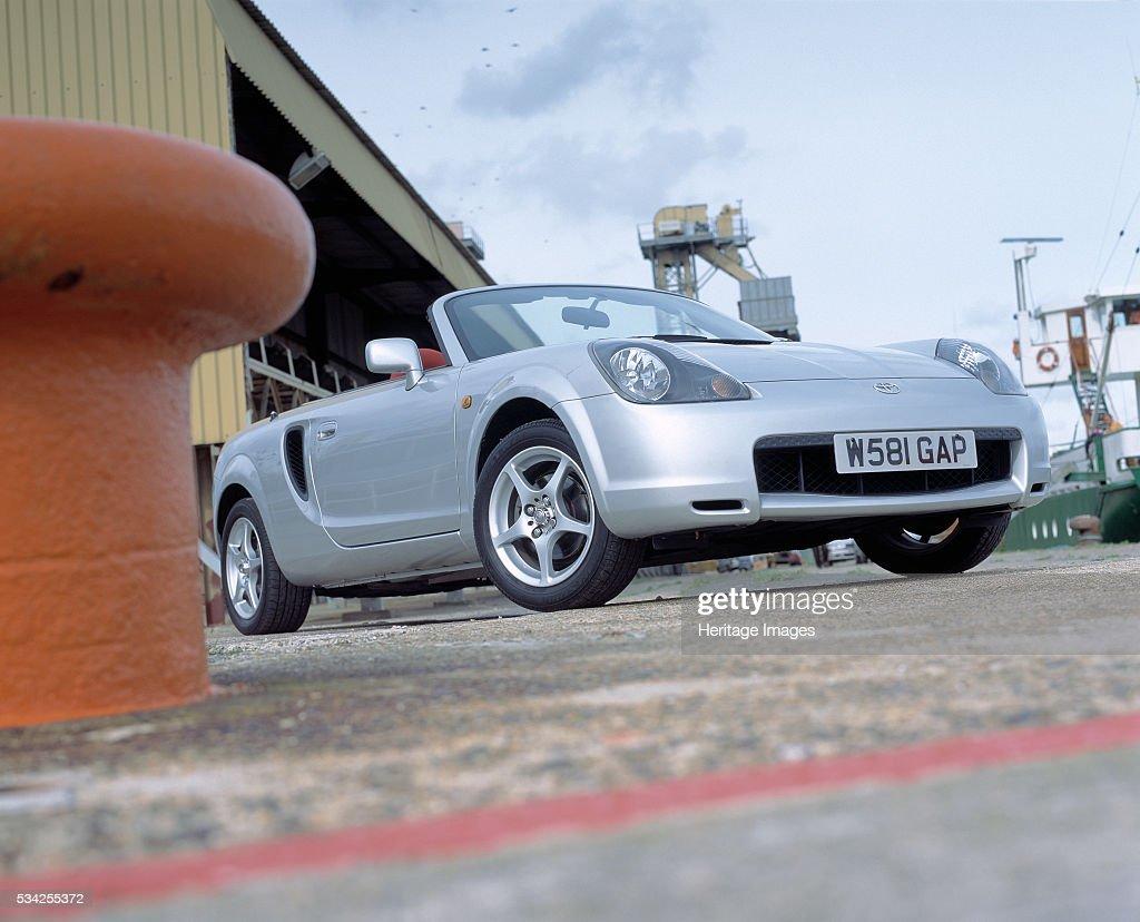 2000 Toyota MR2 Roadster : News Photo