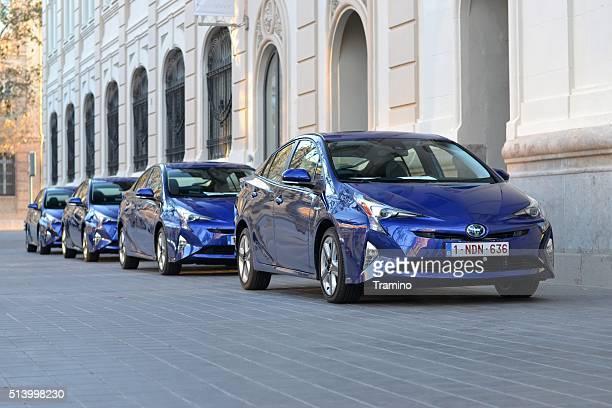Toyota Prius Fahrzeuge auf der Straße