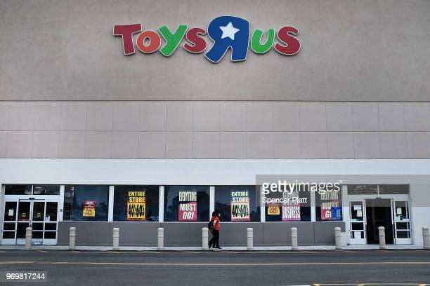 Toys R Us store stands in Brooklyn on June 8 2018 in New York City All 735 Toys R Us stores in America are set to close by the end of June leaving...