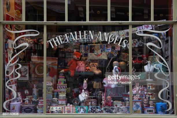 toy-shop - 東フランダース ストックフォトと画像