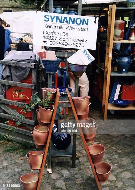 Töpfermarkt auf der Domäne Dahlem Stand der KeramikWerkstatt von Synanon 1996