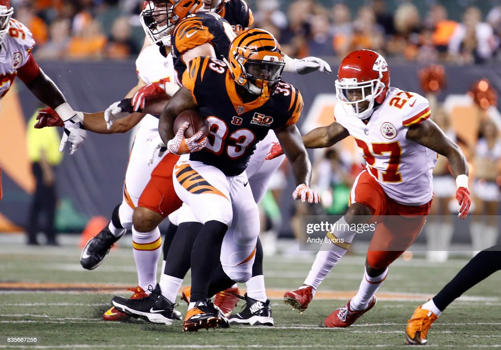 Tra Carson#33 of the Cincinnati Bengals runs with the ball during the preseason game against the Kansas City Chiefs at Paul Brown Stadium on August 19, 2017 in Cincinnati, Ohio.