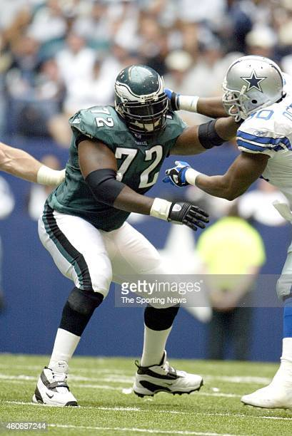 Tra Thomas of the Philadelphia Eagles puts a block during a game against the Dallas Cowboys on October 12 2003 at Texas Stadium in Irving Texas