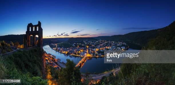traben-trarbach panorama at blue hour (rhineland-palatinate, germany) - ラインラント=プファルツ州 ストックフォトと画像