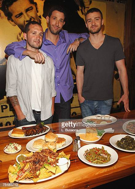 NEW YORK JULY 18 Trace Alaya Eytan Sugarman and Justin Timberlake during the grand opening of the restaraunt Southern Hospitality on July 18 2007 in...